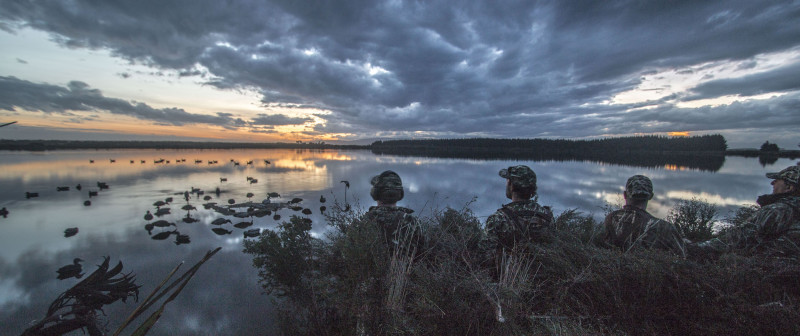 Duck hunters at dawn - HC